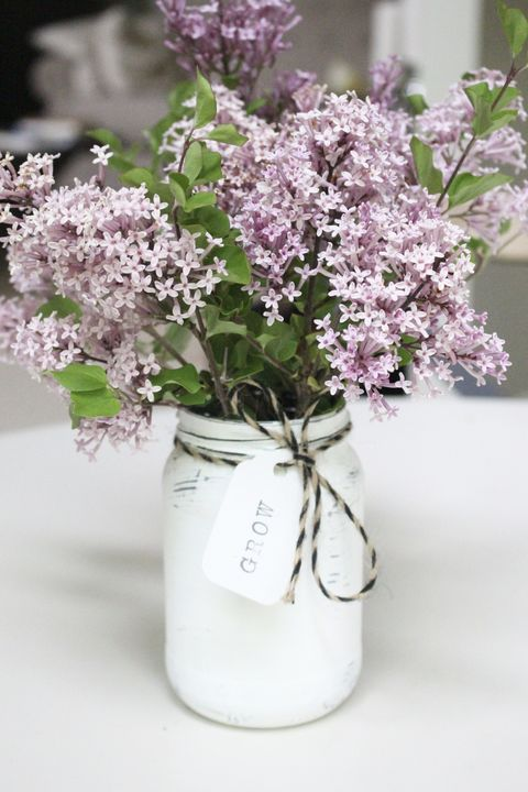mason jar farmhouse diy flower arrangement