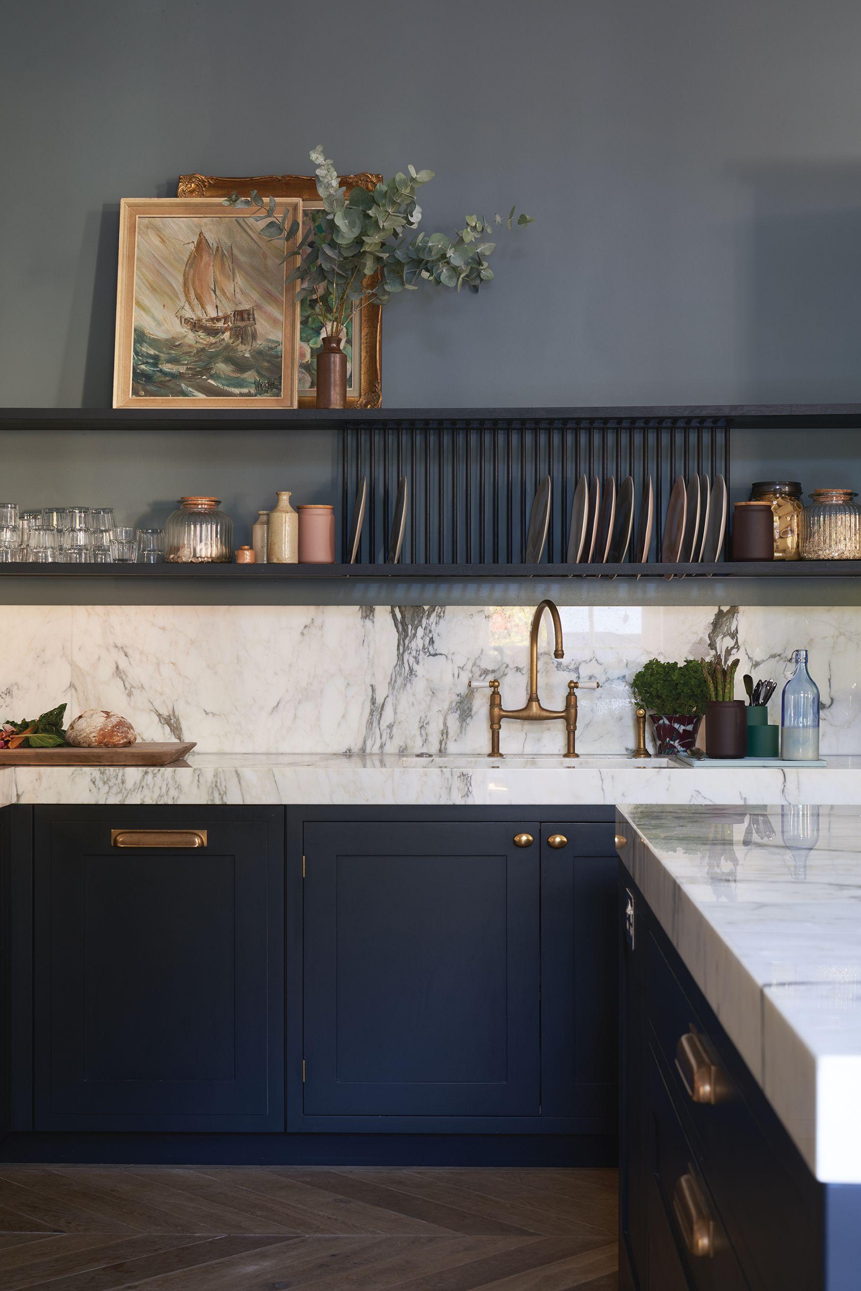 9 Dark Kitchen Ideas For Every Kitchen Size