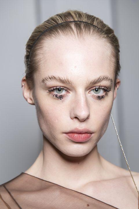 High shine makeup trend AW20