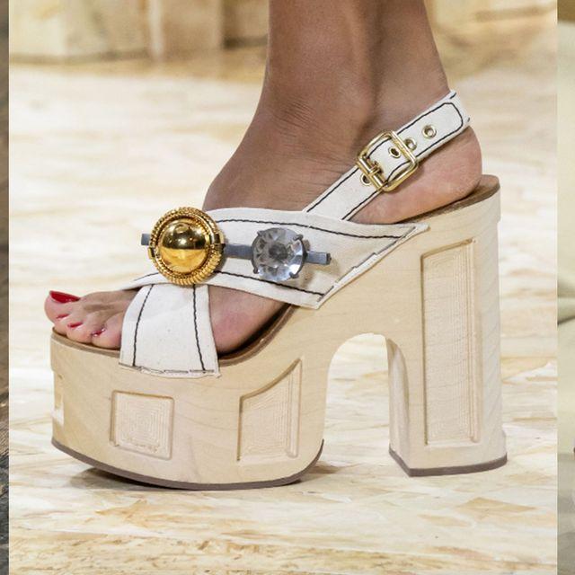 Footwear, Shoe, Sandal, Leg, Ankle, Human leg, High heels, Beige, Fashion accessory, Wedge,