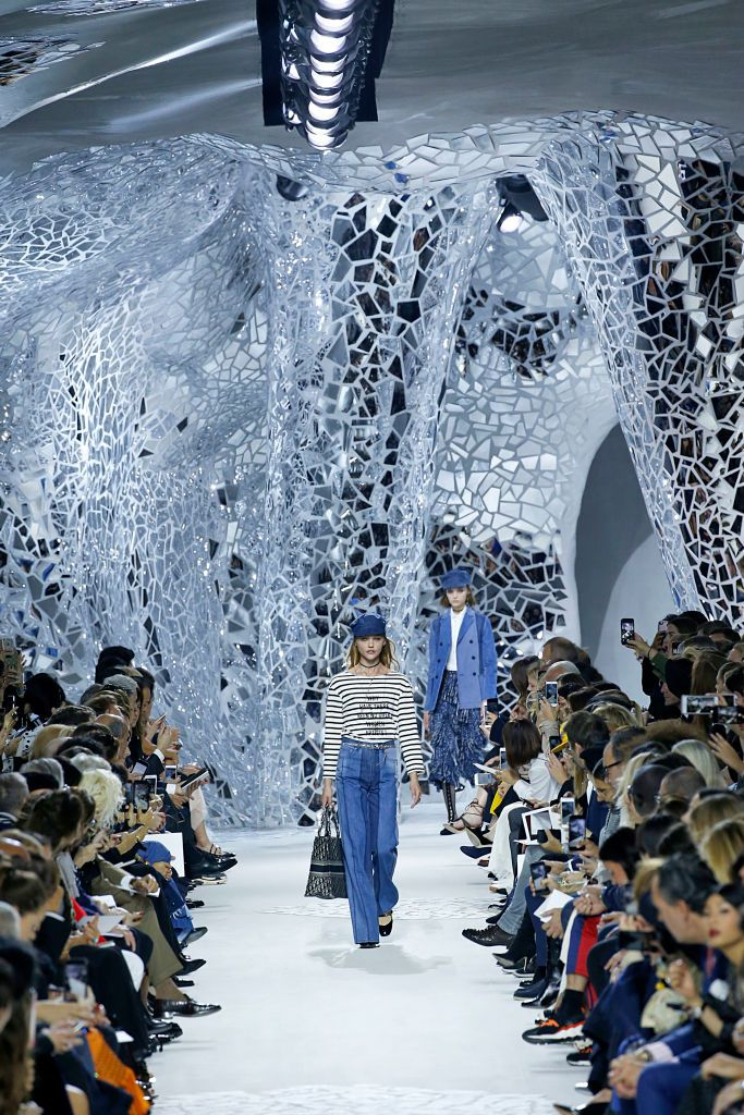 20+ Fashion Week Sets That Prove Fashion And Interior Design Go Together