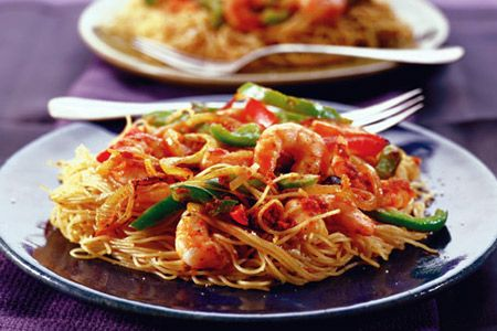 Healthy Pasta with Sun-Dried Tomato Pesto and Shrimp