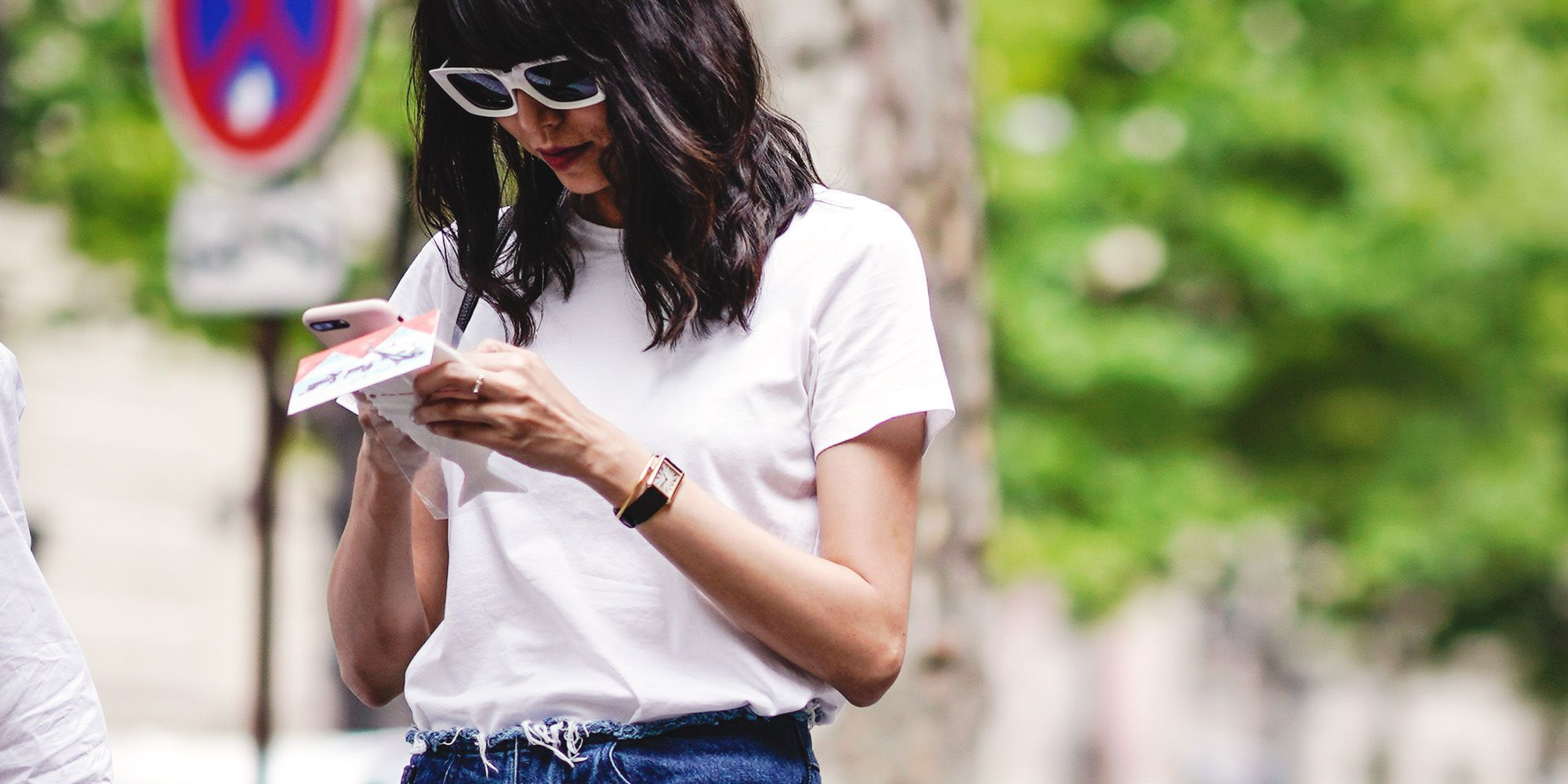 11 Experts Weigh In on the Best White T Shirts on the Market