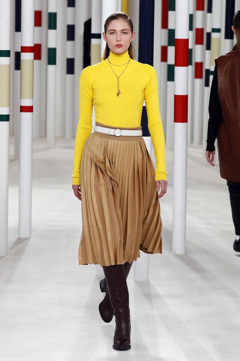 hermes  runway   paris fashion week womenswear fallwinter 20202021