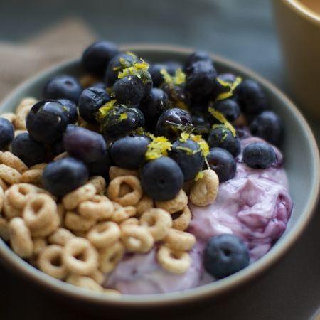 Food, Dish, Breakfast cereal, Cuisine, Ingredient, Blueberry, Breakfast, Superfood, Meal, Vegetarian food,
