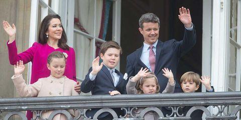 Federico de Dinamarca con su mujer Mary y sus cuatro hijos