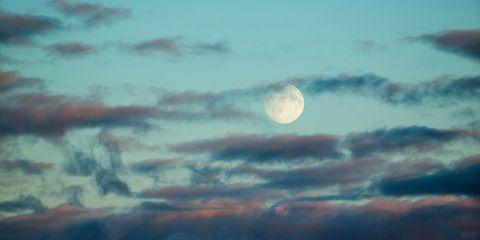 Feit of fabel: met volle maan slaap je slechter