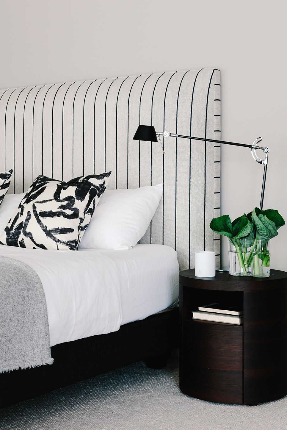 Black And White Aesthetic Room Decor Home Improvement Our Black And White Line Art Use The Minimalist Aesthetic Wall Decor Style To Outline The Beauty Of Modern Women