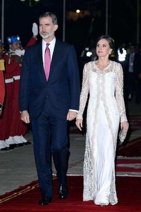 c1e2b8c43 Mohamed VI agasajó a los Reyes con una cena de gala en su palacio. La