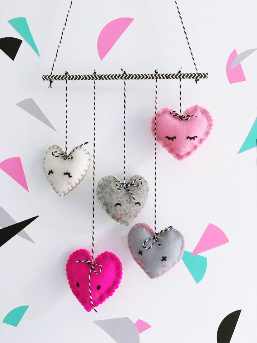 40 Easy Valentine's Day Crafts - DIY Decorations for