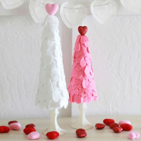 felt heart valentine's day trees