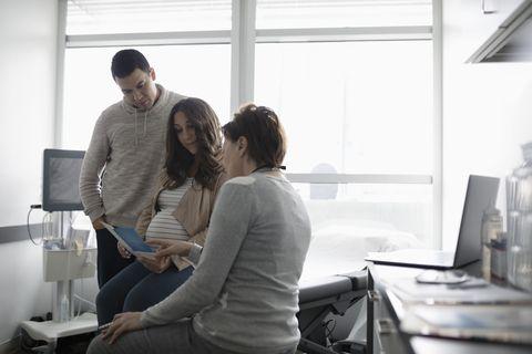 cómo influye el rh en el embarazo y en el parto