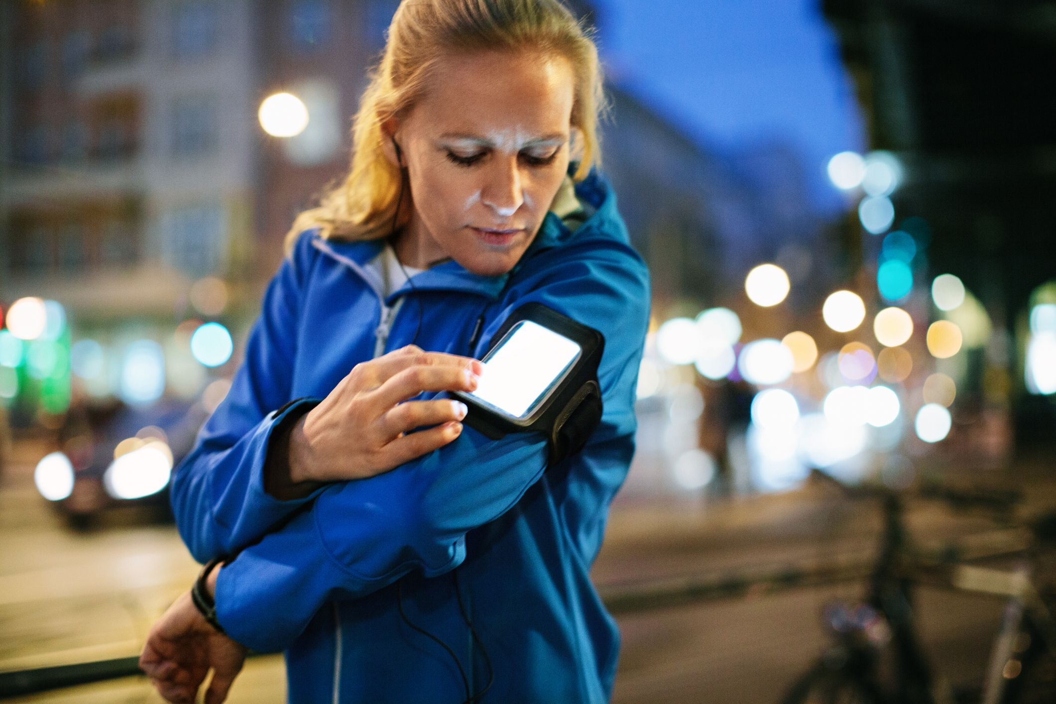 Is it safe for female runners to share their running routes online?