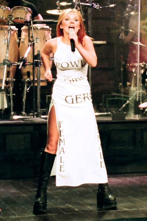 Performance, Performing arts, Dress, Fashion, Singing, Event, Singer, Performance art, Musician, Music,