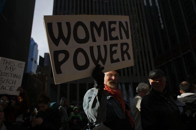 """cos'è """"femministi"""" la scuola di formazione politica per uomini a roma"""
