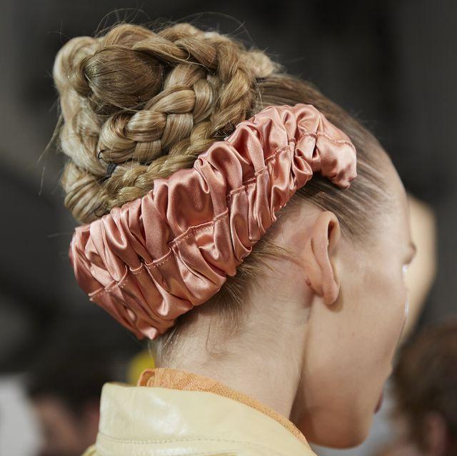 Hair, Head, Hairstyle, Fashion, Organ, Human, Headgear, Human body, Ear, Neck,