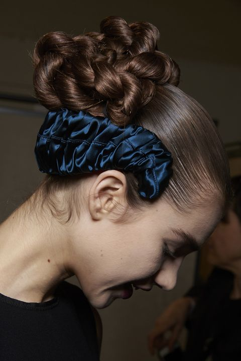 Hair, Hairstyle, Beauty, Chignon, Forehead, Bun, Headgear, Long hair, Hair accessory, Headpiece,