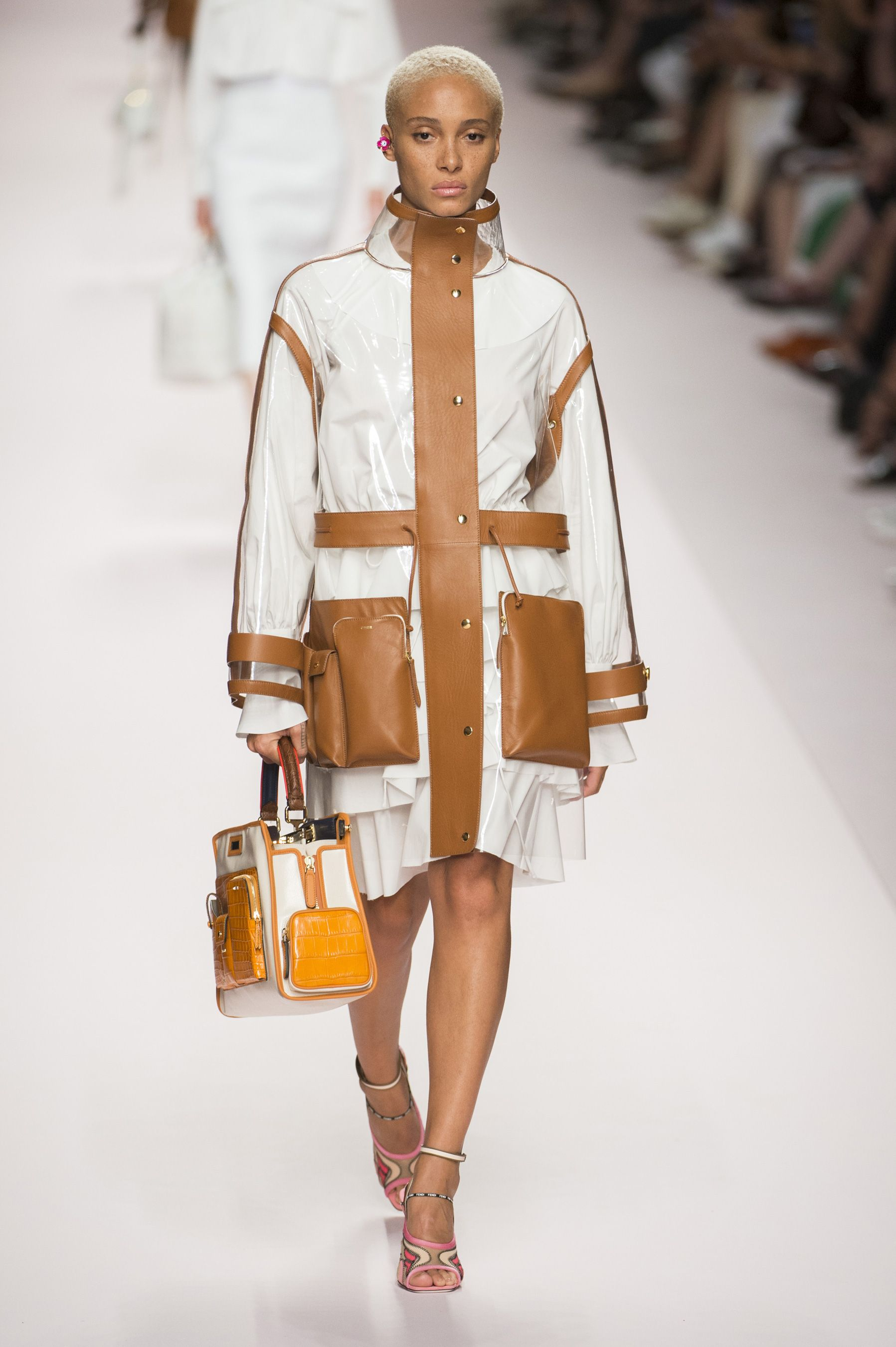 Fendi, Fendi SS 19, Fendi women, MFW, MFW SS 19, MFW 2019, Milano fashion week, Milano, Fashion week, real time women SS 19, sfilate, primavera estate 2019