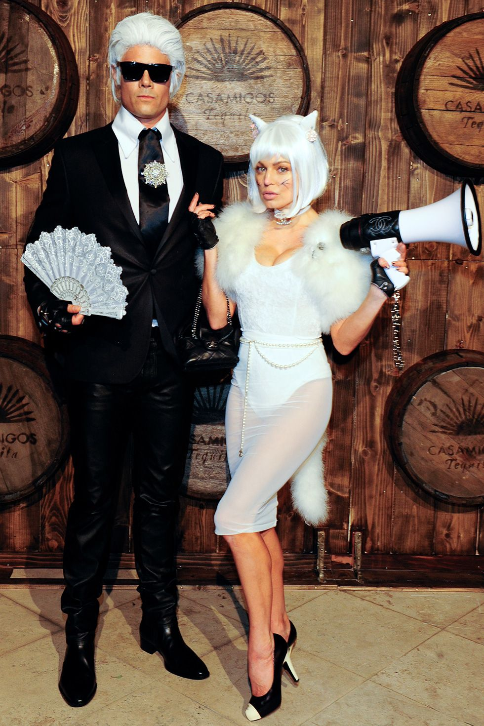 Josh Duhamel and Fergie - Karl Lagerfeld And His Cat Josh Duhamel and Fergie dressed up as Karl Lagerfeld and his cat, Choupette, to attend the 2015 Casamigos Tequila Halloween party in Los Angeles, California.
