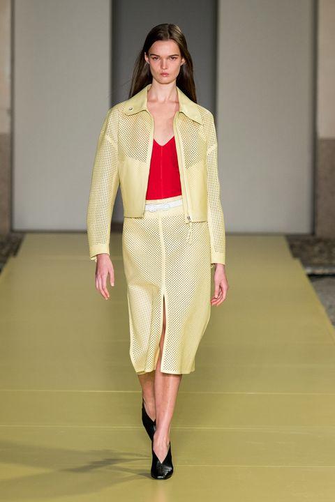 Shoulder, Fashion show, Joint, Style, Waist, Jewellery, Fashion model, Runway, Fashion, Neck,