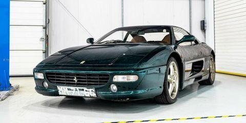 Ferrari 355 restaurado por H.R. Owen