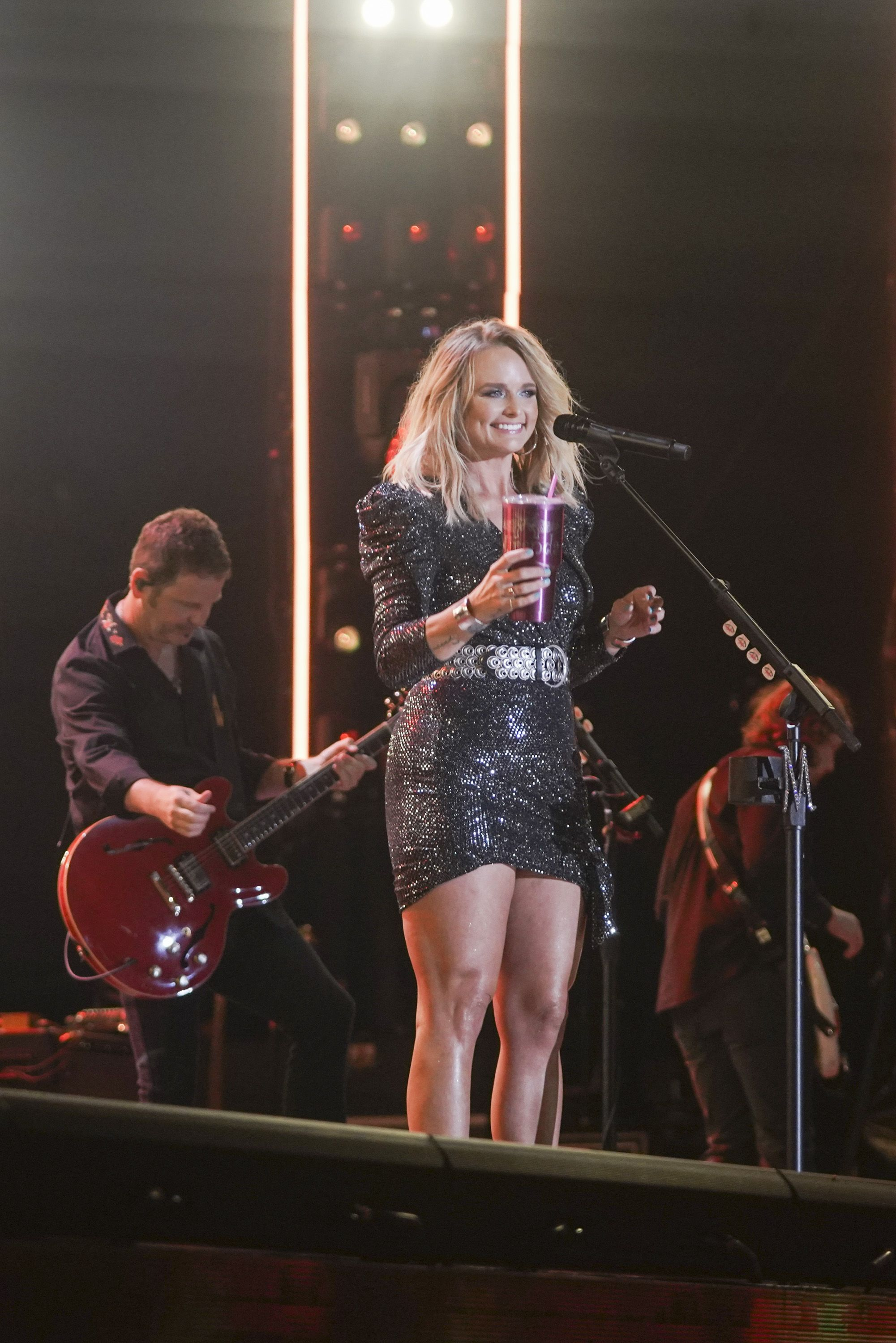Miranda Lambert Sassed Fans for Tossing a Beach Ball at Her Show and the Video Is Unreal