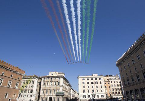 festa della repubblica,festa della repubblica italiana,frecce tricolori,frecce tricolori roma,festeggiamenti 2 giugno,2 giugno 1946,festa della repubblica roma