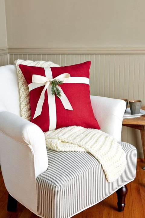 festive pillow christmas crafts
