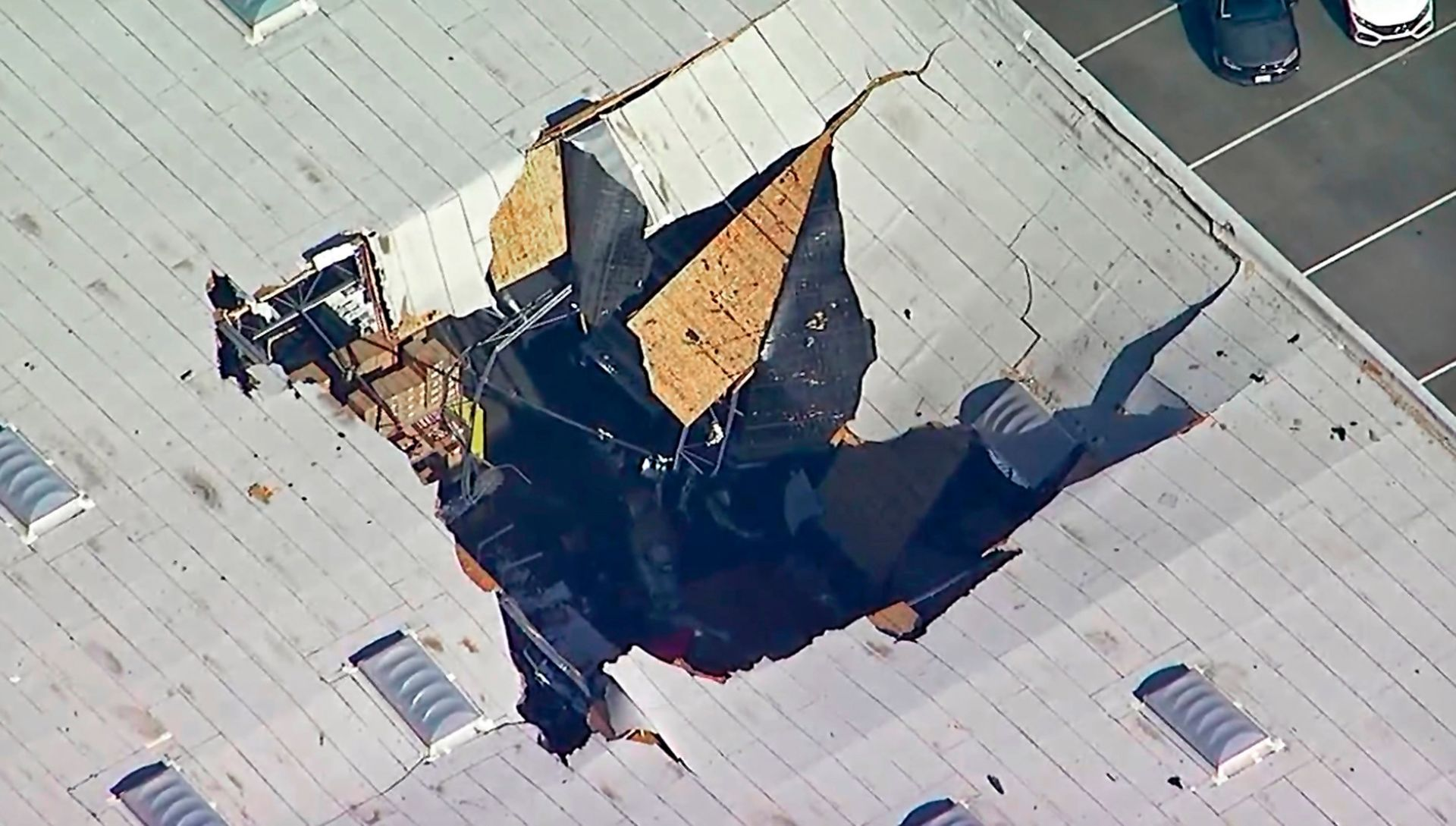 An F-16 Fighter Jet Crashed into a California Warehouse