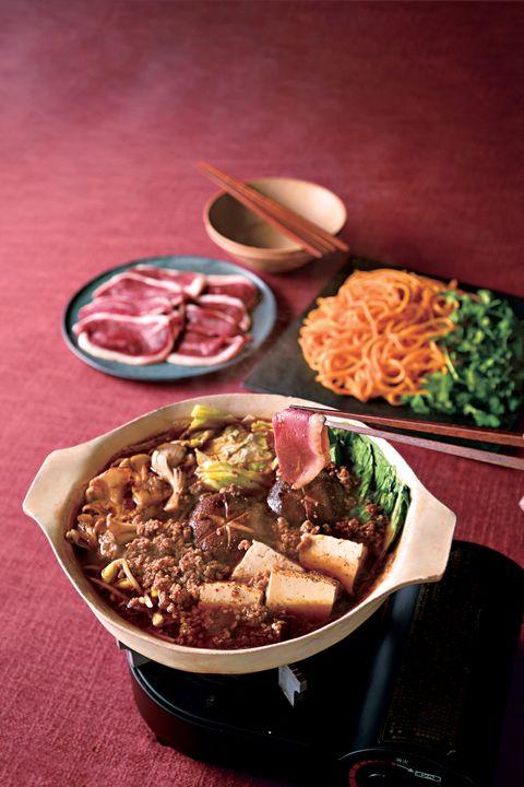 Dish, Food, Cuisine, Ingredient, Comfort food, Produce, Meat, Meal, Recipe, Sukiyaki,