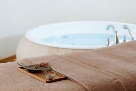 bathtub, room, table, linens, jacuzzi, furniture, textile, tablecloth, architecture, platter,
