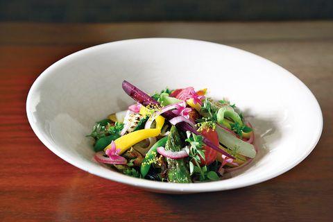 レクラ 大原の新鮮な野菜約20種類取り合わせたサラダ。1,900円(税込)
