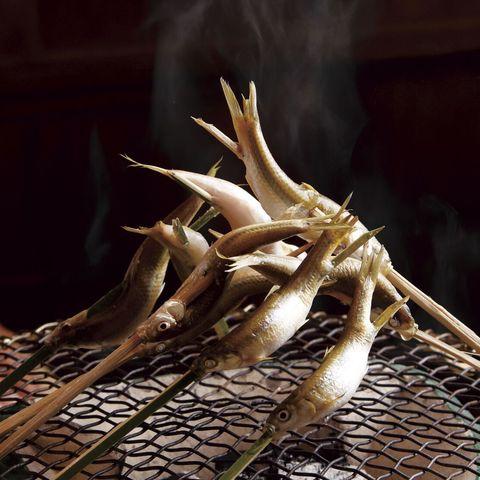 「御料理 はやし」の本もろこ炭火焼き