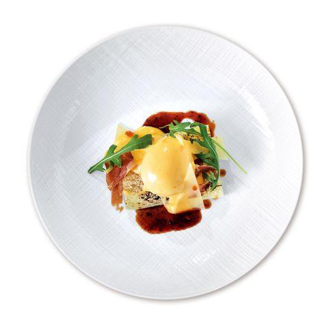 ピニェート「ホワイトアス パラガス 卵と生ハム添え」