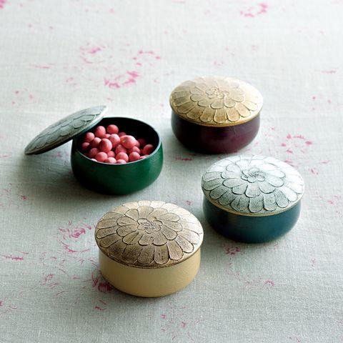 中村彩子さん 漆のキャンディボックス