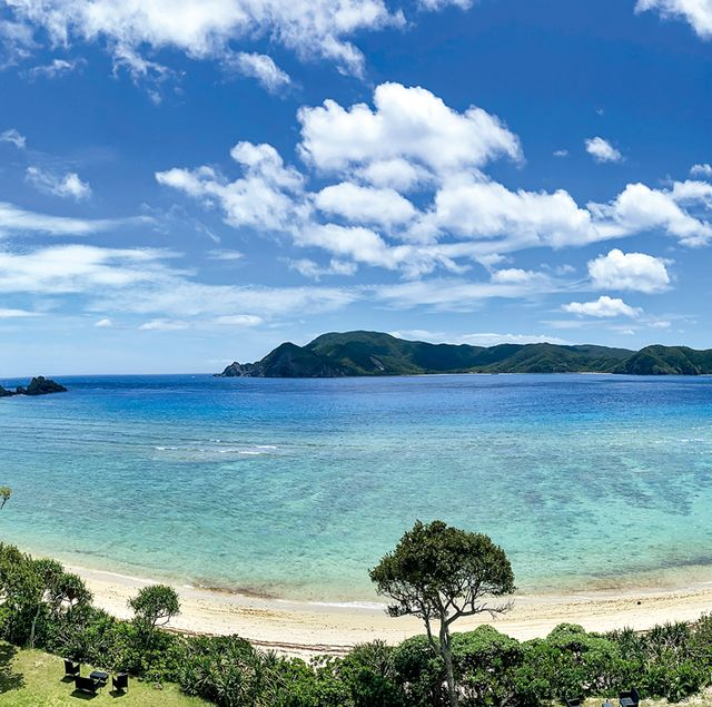 奄美大島の海 対岸に加計呂麻島