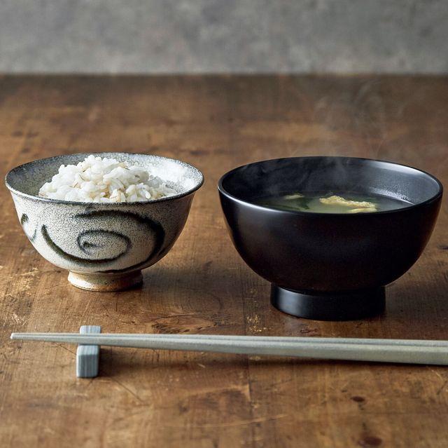 〈右〉小林慎二 汁椀 〈左〉吉井史郎 安南飯碗