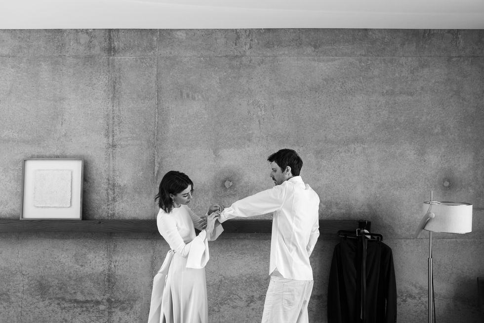 This Monument Valley Elopement Was All About Fashion, Photography & the  Couple - Flipboard