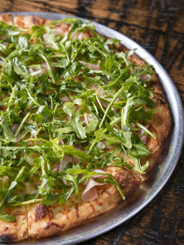 fig and arugula pizza