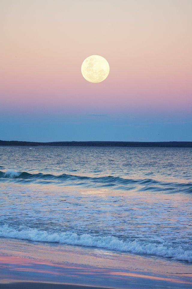 nella notte del 4 e 5 luglio la luna piena nel segno del capricorno