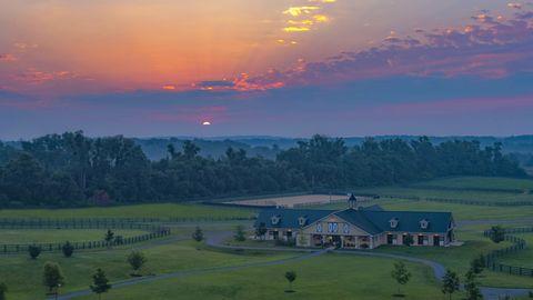 Sky, Nature, Morning, Natural landscape, Atmospheric phenomenon, Grassland, Sunrise, Rural area, Cloud, Farm,