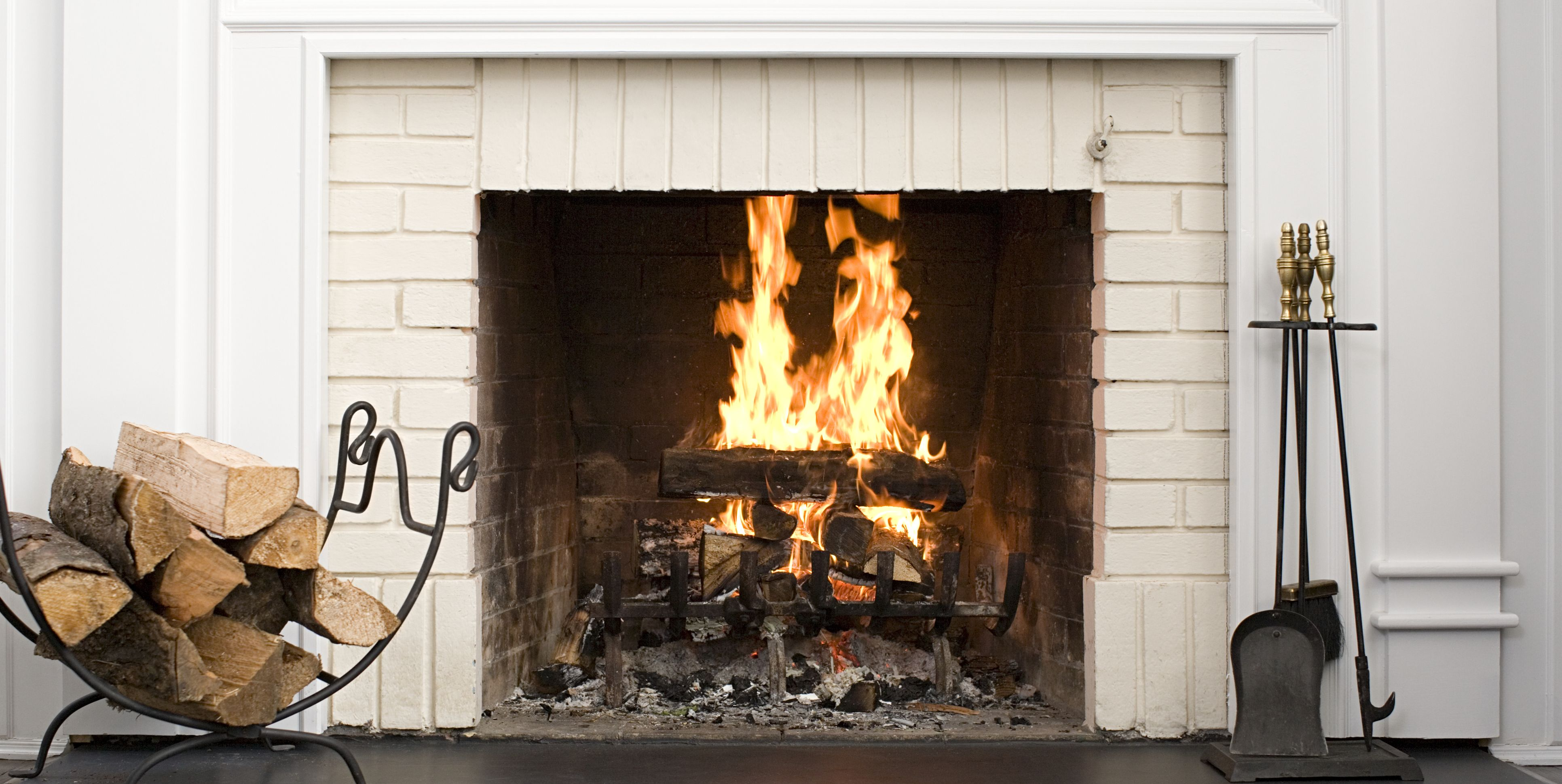 The Best Tips For Anyone Who Struggles To Light Their Fireplace