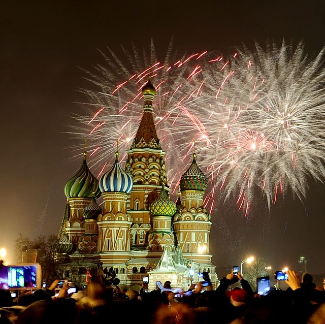 Russia welcomes New Year