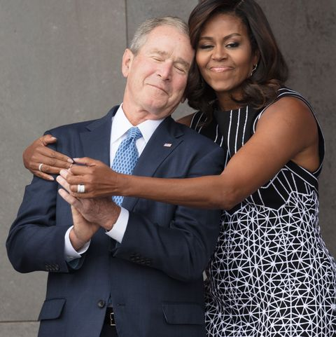 «Je l'aime à mourir», Michelle Obama s'enflamme pour George W. Bush