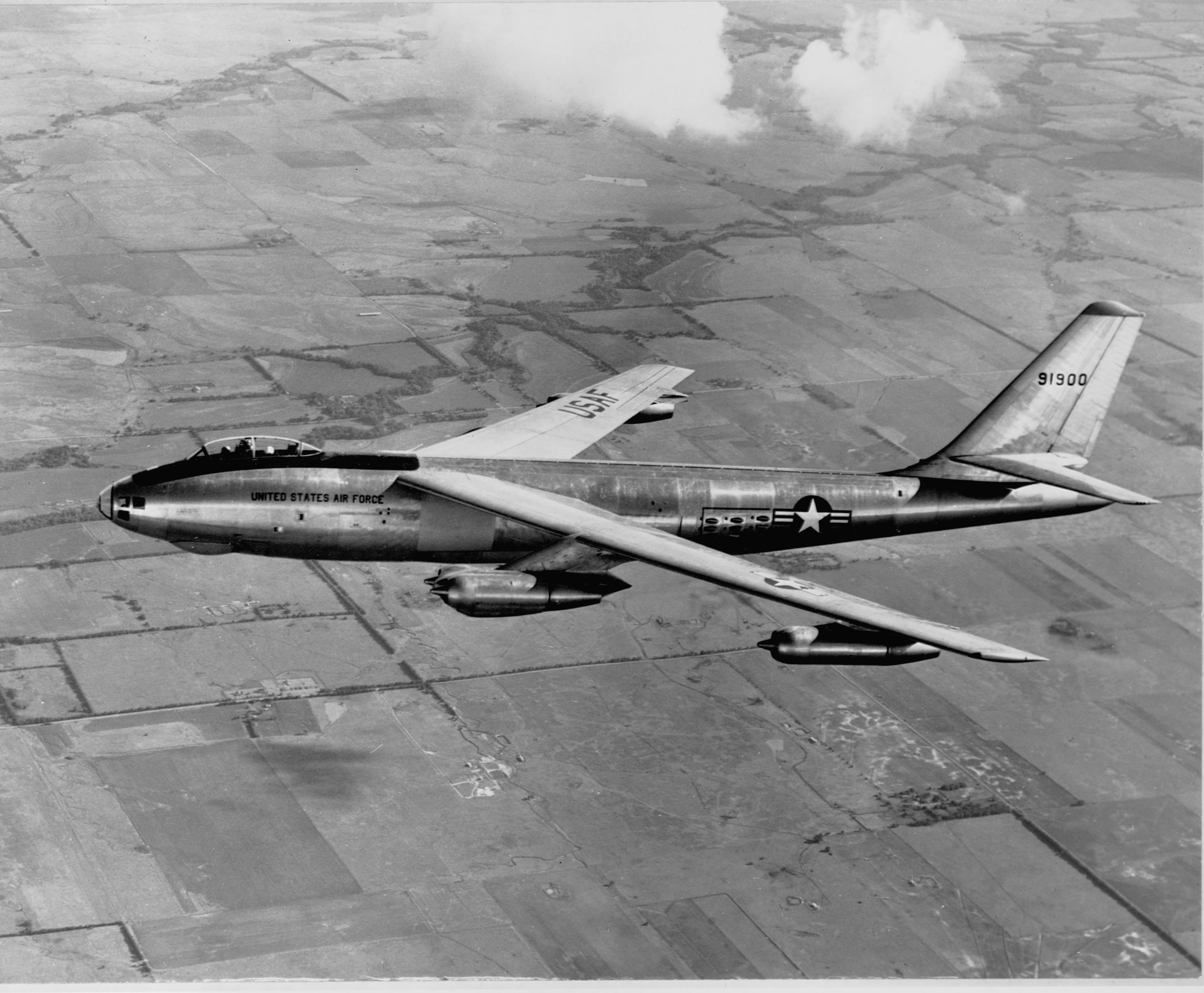 Sixty Years Ago, a Pilot Flew a B-47 Nuclear Bomber Under Michigan's Mackinac Bridge