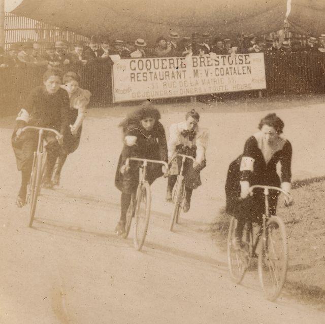 historic women bike racers