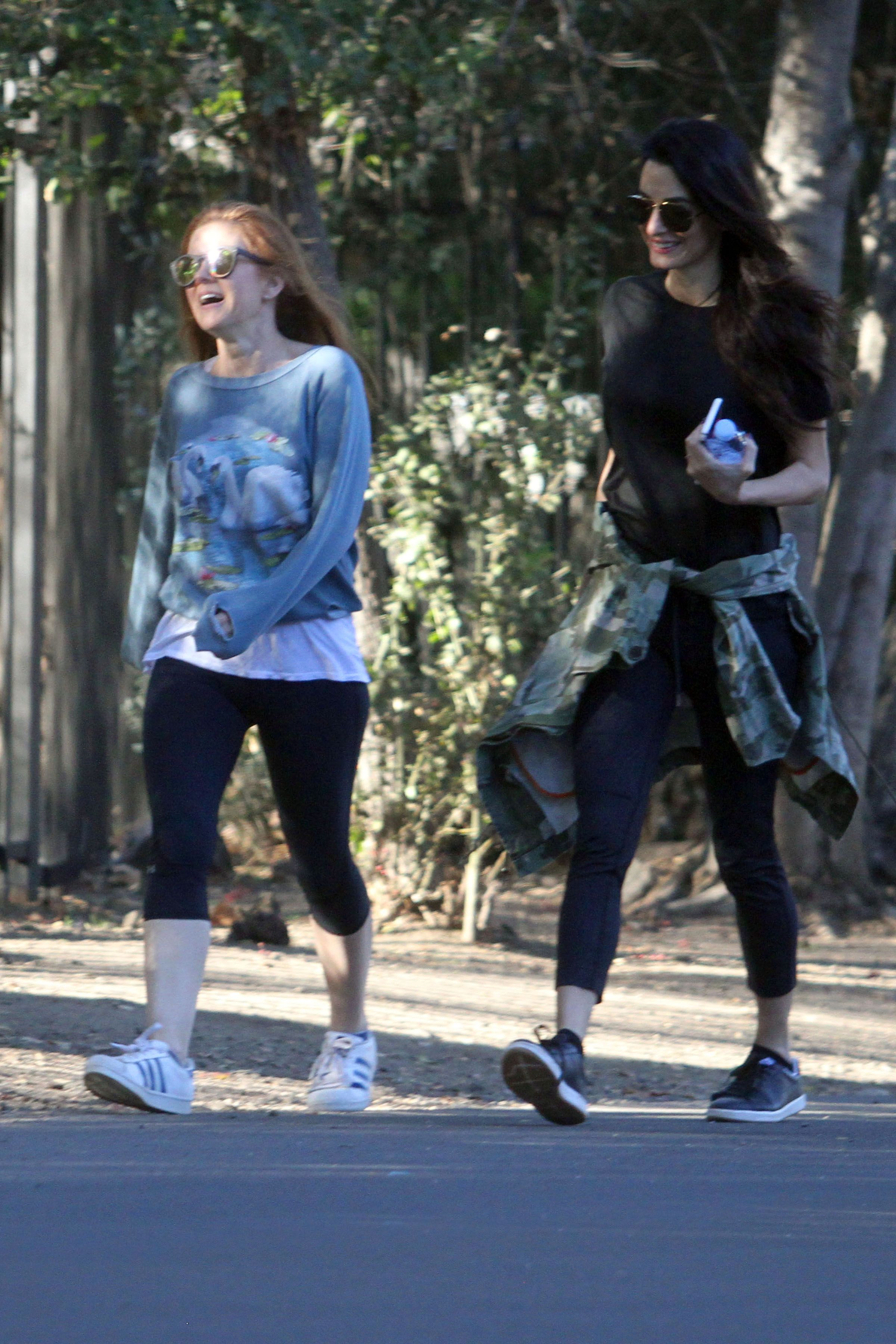January 26, 2018 Hiking with Isla Fisher at LA's Runyon Canyon.