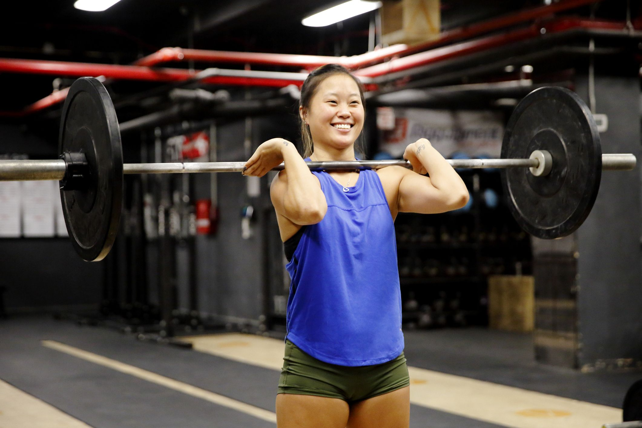 Get Confident in the Gym with this Beginner's Barbell Workout Routine