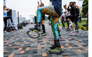 Footwear, Leg, Street stunts, Street performance, Flip (acrobatic), Recreation, Street dance, Physical fitness, Vehicle, Endurance sports,