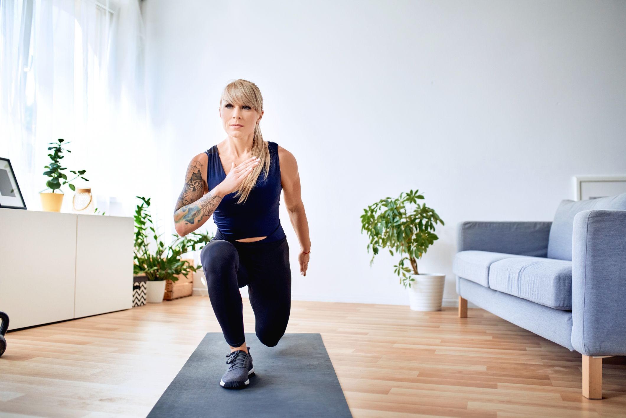 This at-home HIIT workout strengthens your core in just 20 minutes